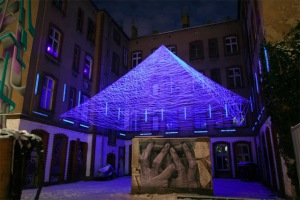 3D UV Thread Installations - Jeongmoon Choi Pyramid)