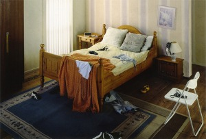 Villaarena ad bedroom (before)