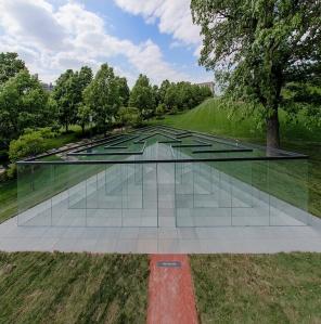Glass Labyrinth - Robert Morris (Empty)