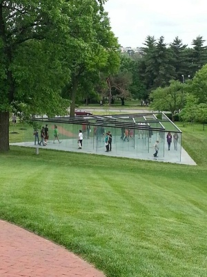 Glass Labyrinth - Robert Morris (People)