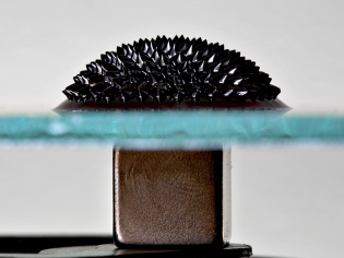 Ferrofluid & Magnet under glass